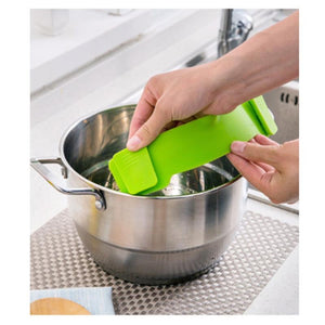 Universal Clip-on Strainer - New Vado