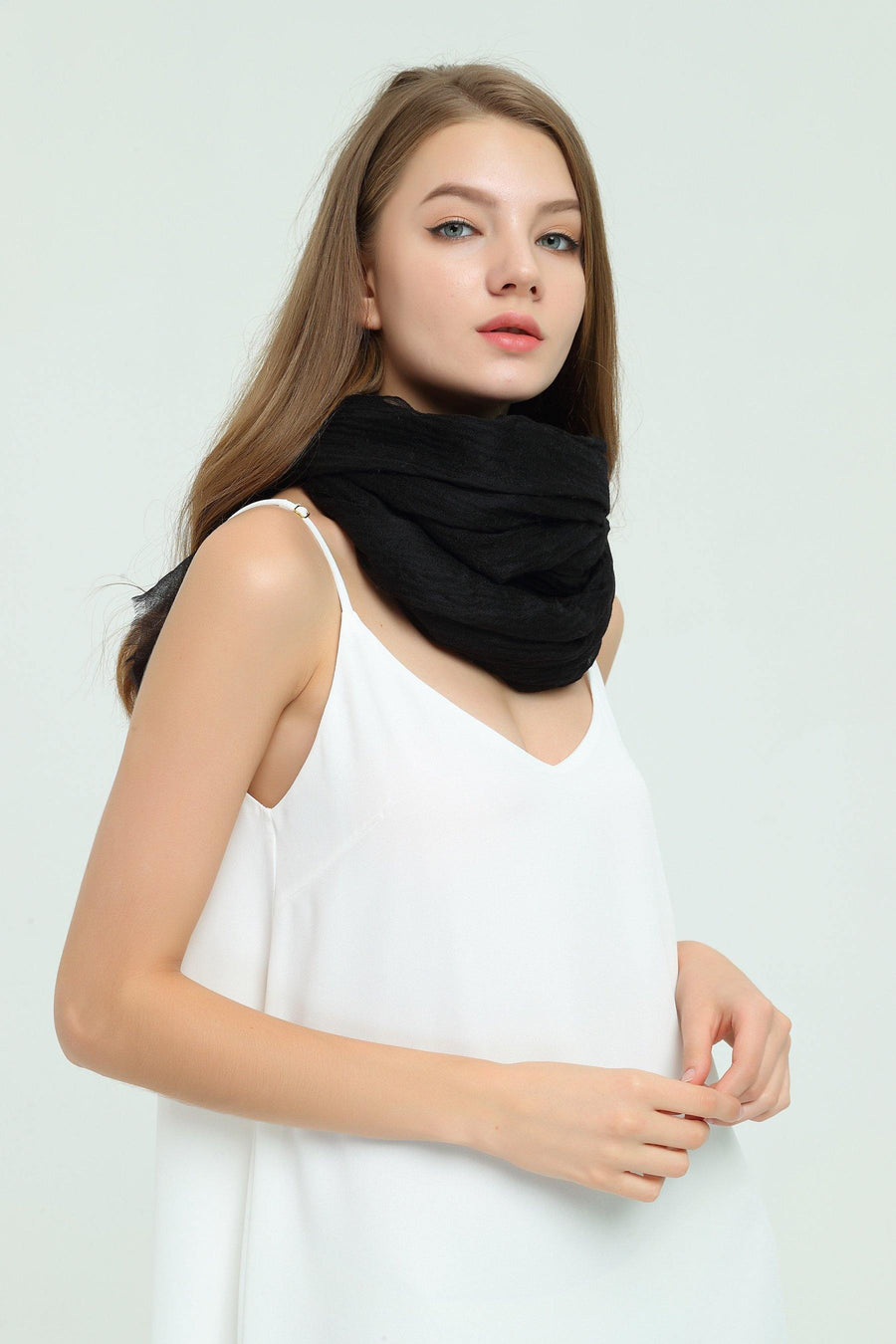100% Cashmere Featherlight Scarf - Black - MINIMO