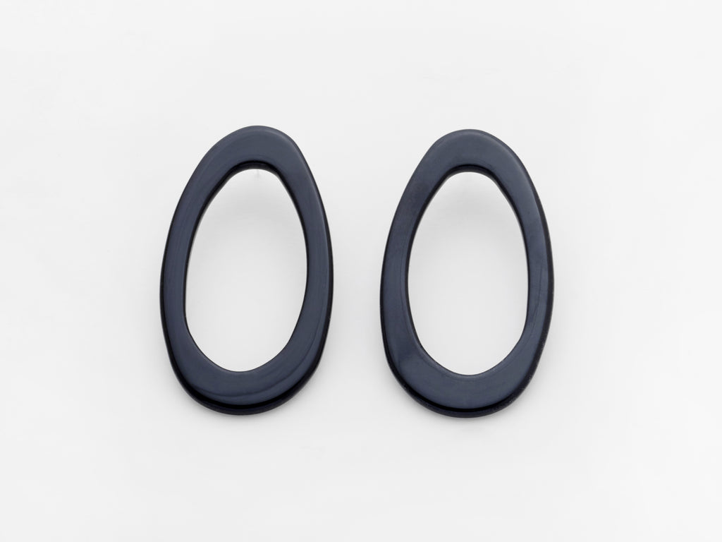 Marlo Earrings in Black