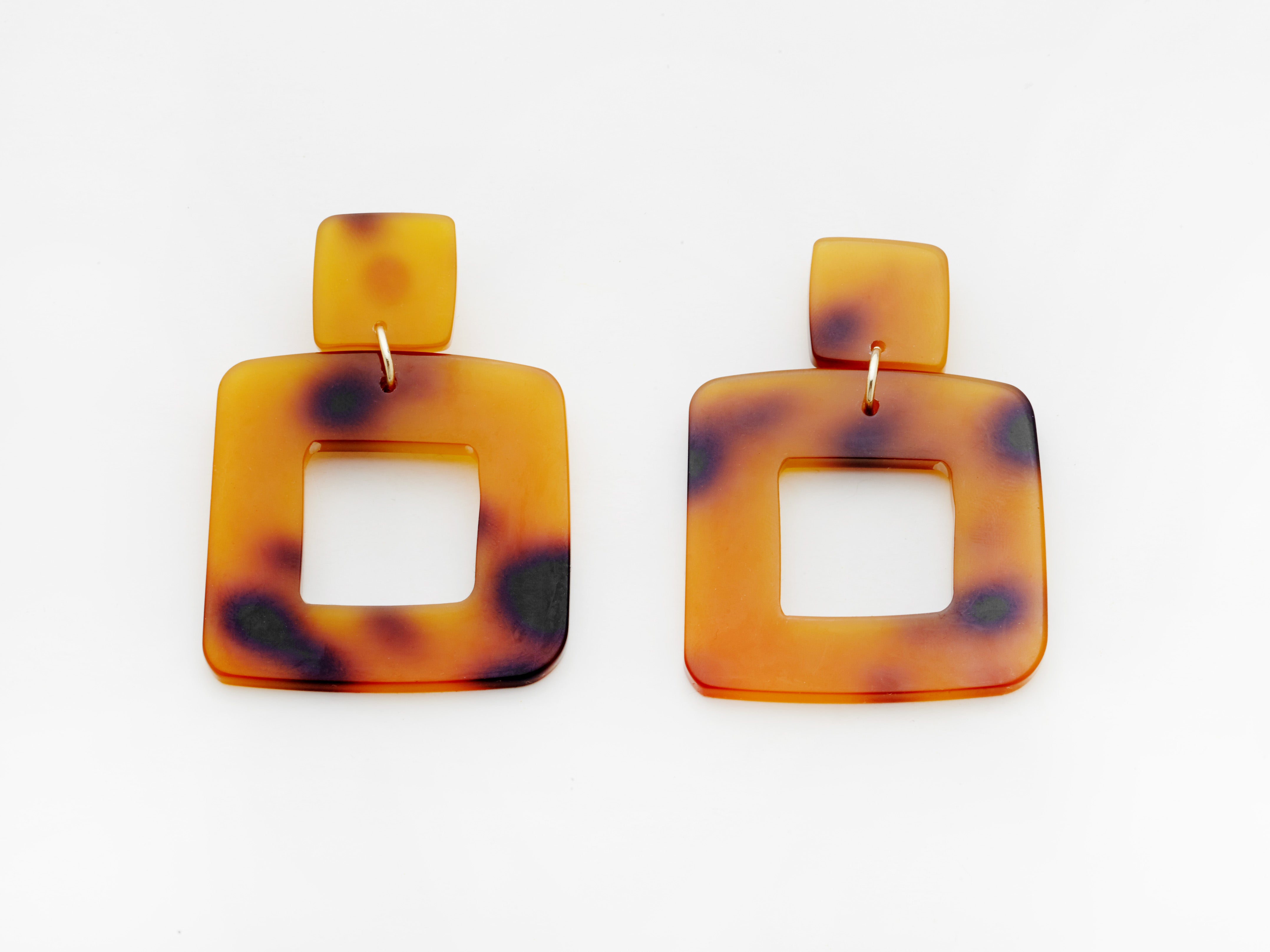 Lois Earrings in Tort