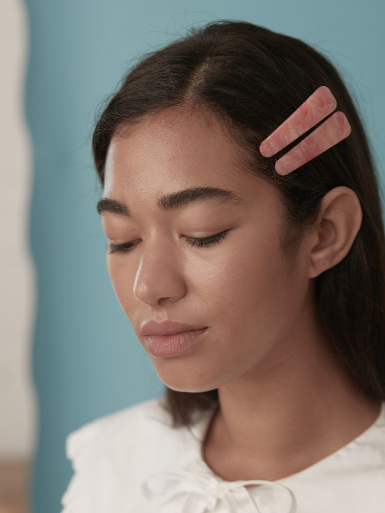 Cosmos Clips in Pink