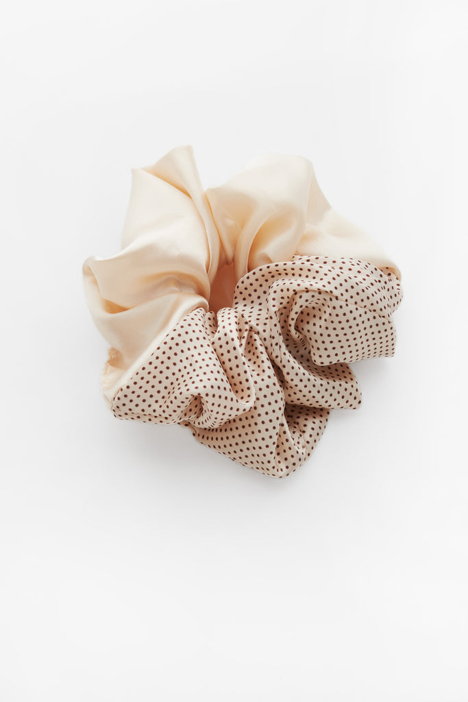 Cindy Semi Dot Scrunchie Cream