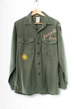 "VINTAGE ""Peace Love"" ARMY JACKET"