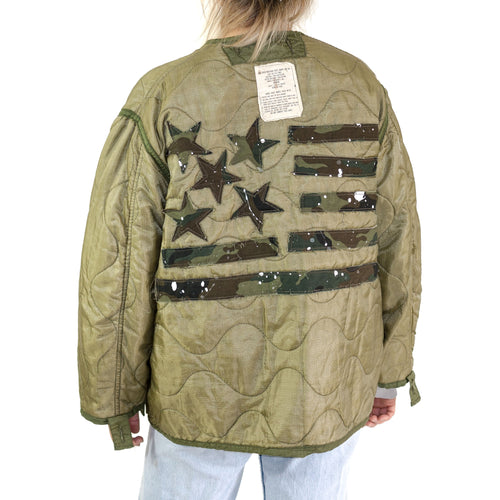 VINTAGE US MILITARY M-65 FIELD JACKET LINER WITH FLAG BACK
