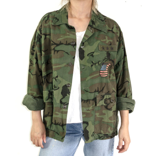 VINTAGE CAMOUFLAGE MILITARY HUNTING JACKET WITH EMBROIDERY