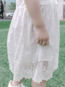 LACE DRESS WITH LACE FRILL SLEEVES