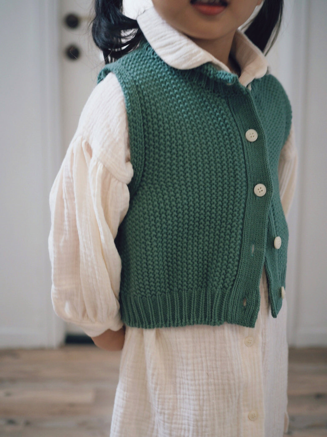 GIRLY BUTTON-FRONT VEST