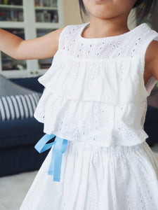 LACE FRILL SLEEVELESS DRESS