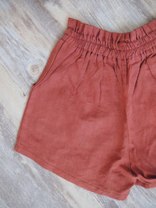 GIRLY LINEN RED SHORTS