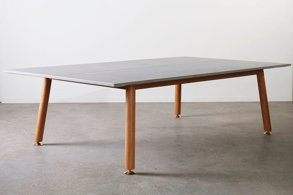 CONCRETE AND LEATHER TABLE TENNIS