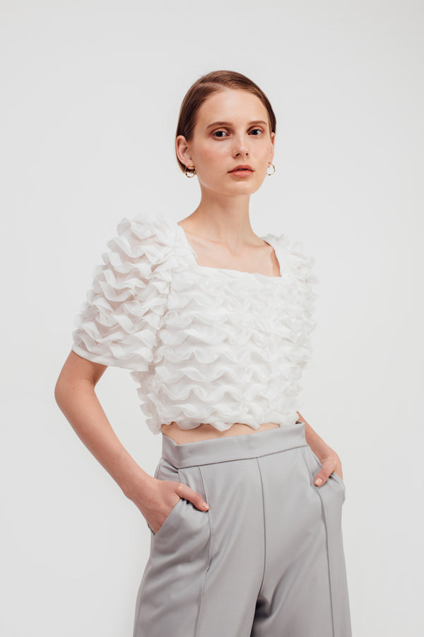Puffy Wave Textured Crop Top In White