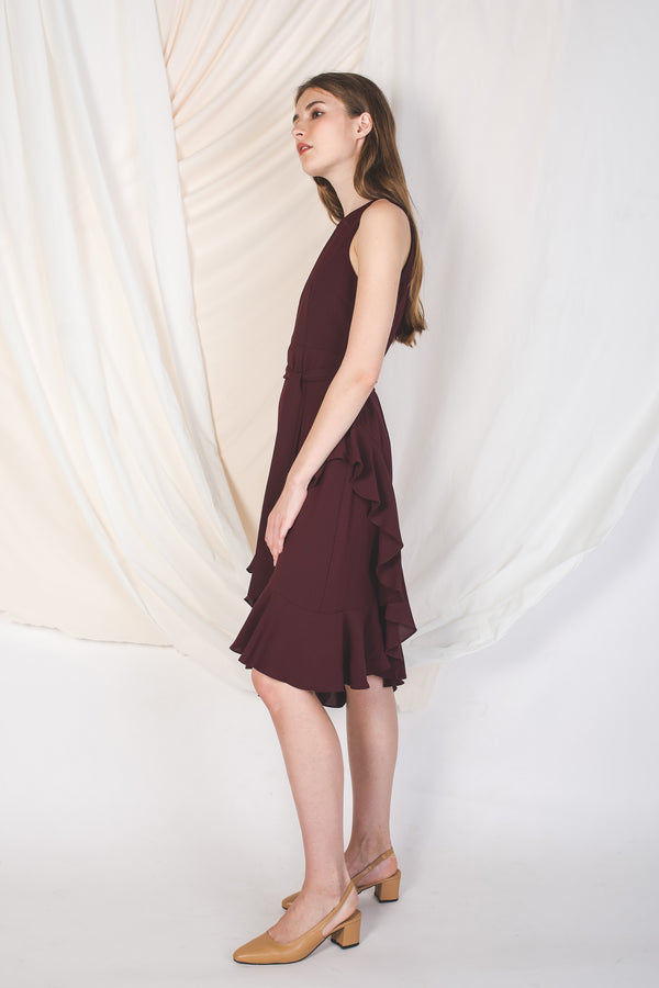 Cross Ruffle Midi Dress In Maroon