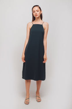 Straight Neckline Midi Dress With Ruffled Sash In Emerald Green