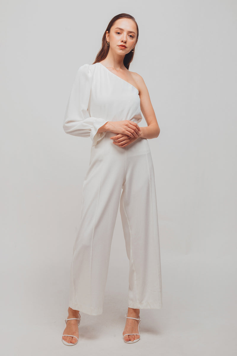 Asymmetrical Long Sleeves Puffed Toga Top In White