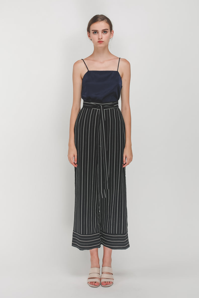 Knotted Wide Legged Pants In Black/White Stripes