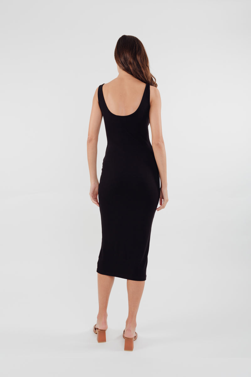 Round Neck Knit Dress in Black
