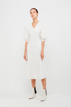 Puffed Sleeved Mermaid Hem Dress In White