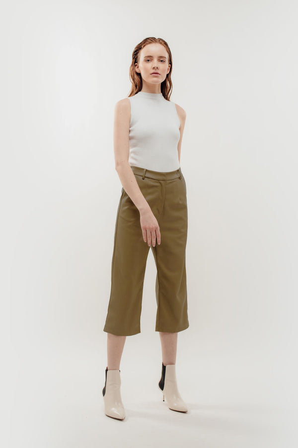 Faux Leather Cropped Trousers in Camel