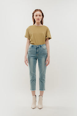 Cropped High Waisted Jeans with Raw Hem
