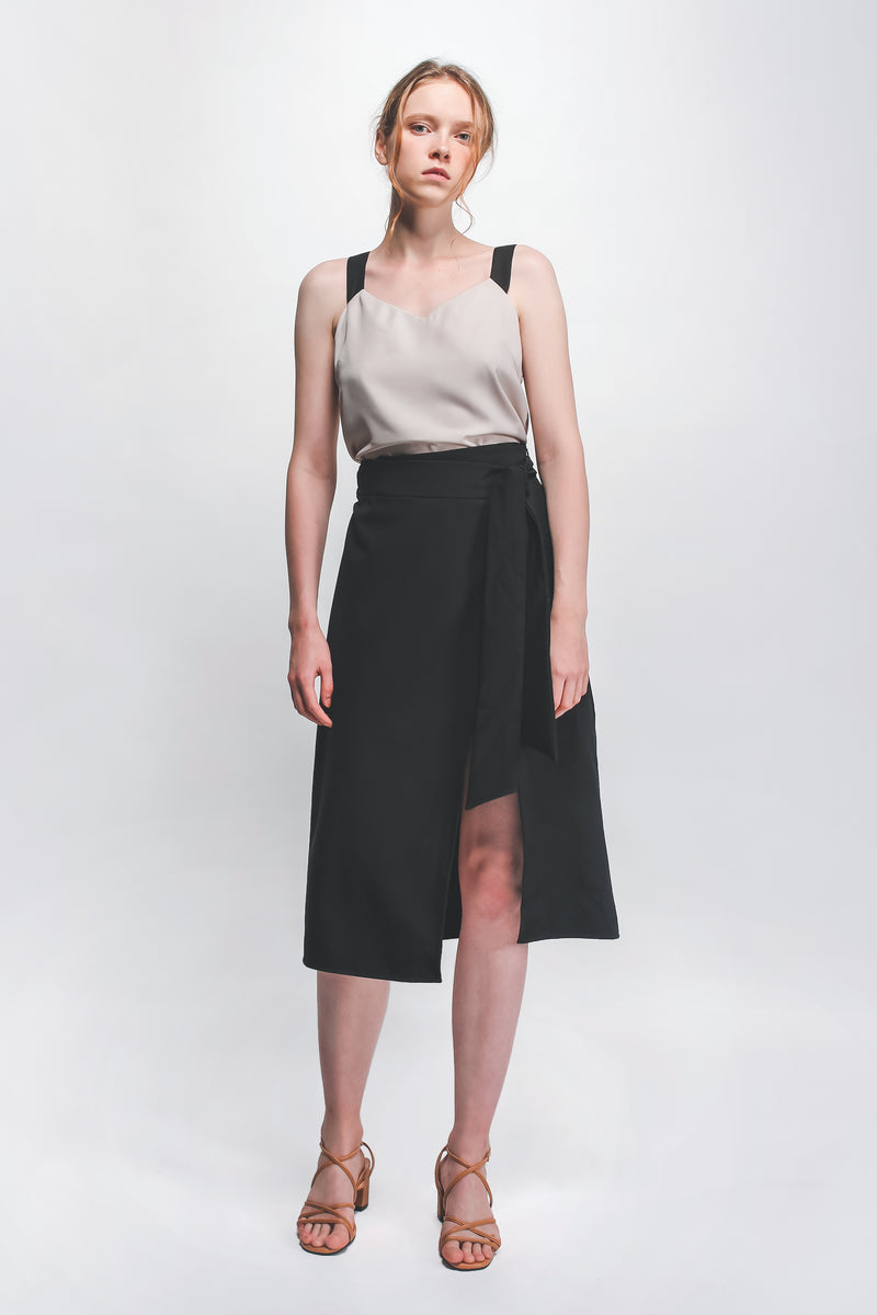 Classic Knotted Wrap Skirt In Black