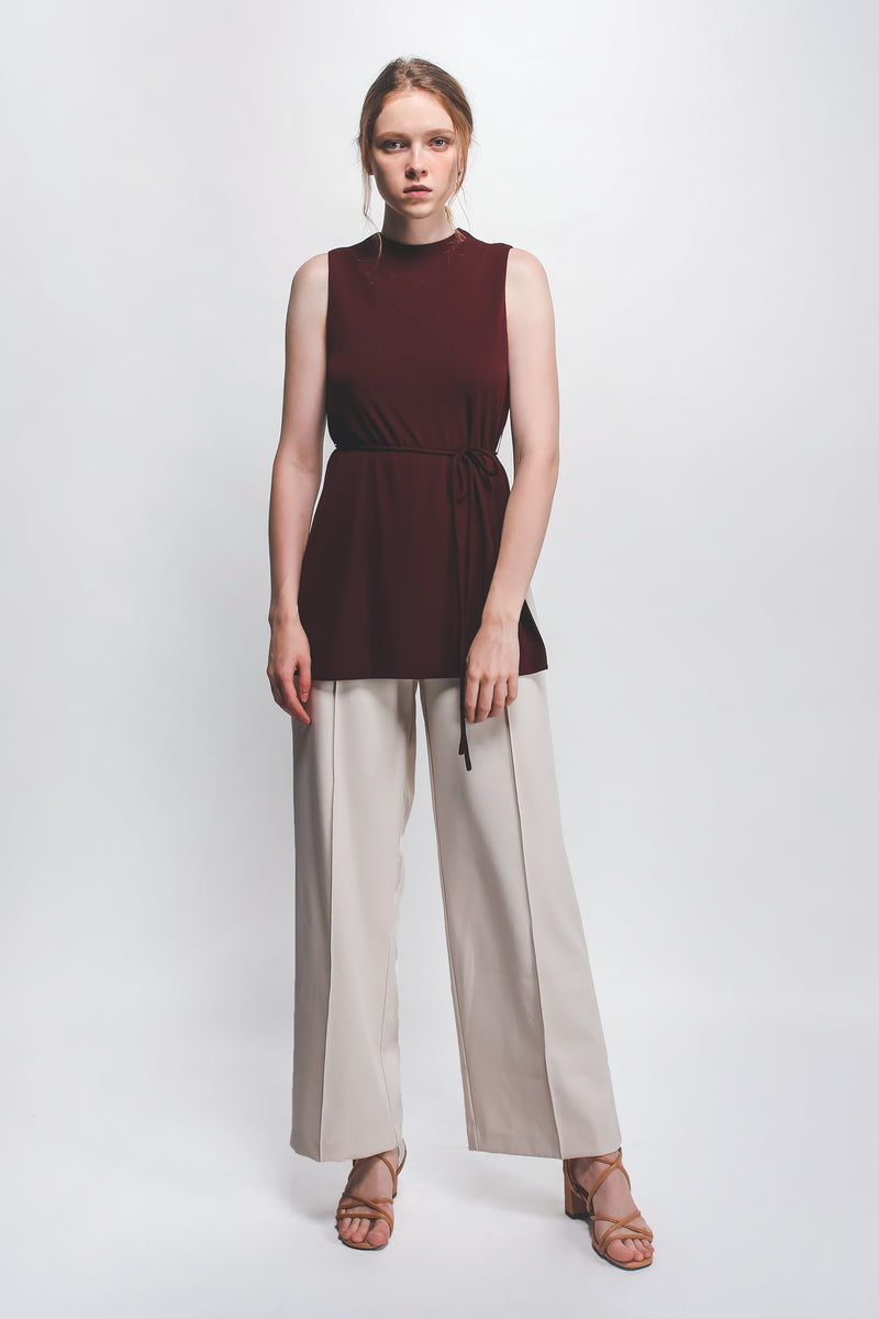 Knitted High-Neck Top In Maroon W Sash In Maroon