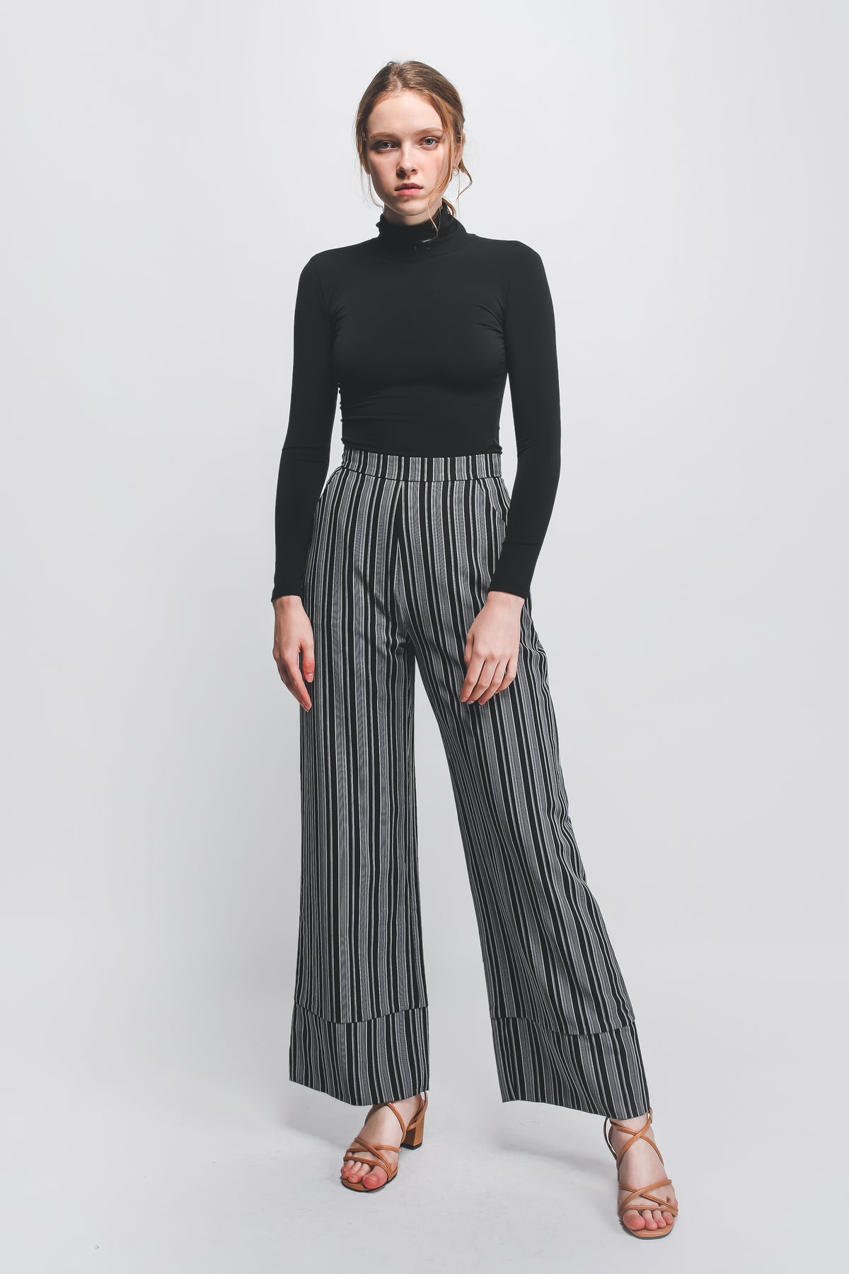 Hem Detailed Wide Legged Pants In Black/White Stripes