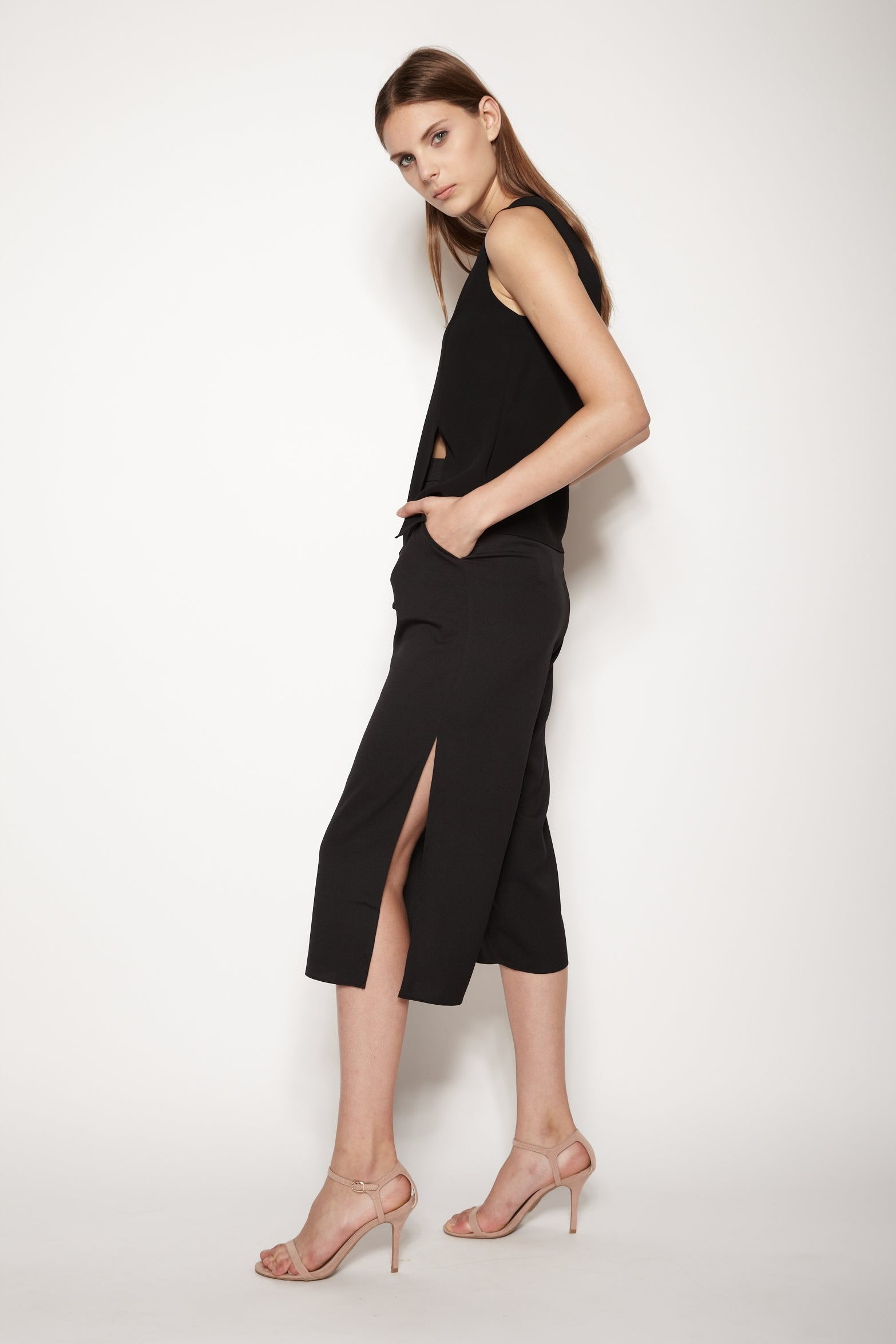Side Slit Culottes In Black