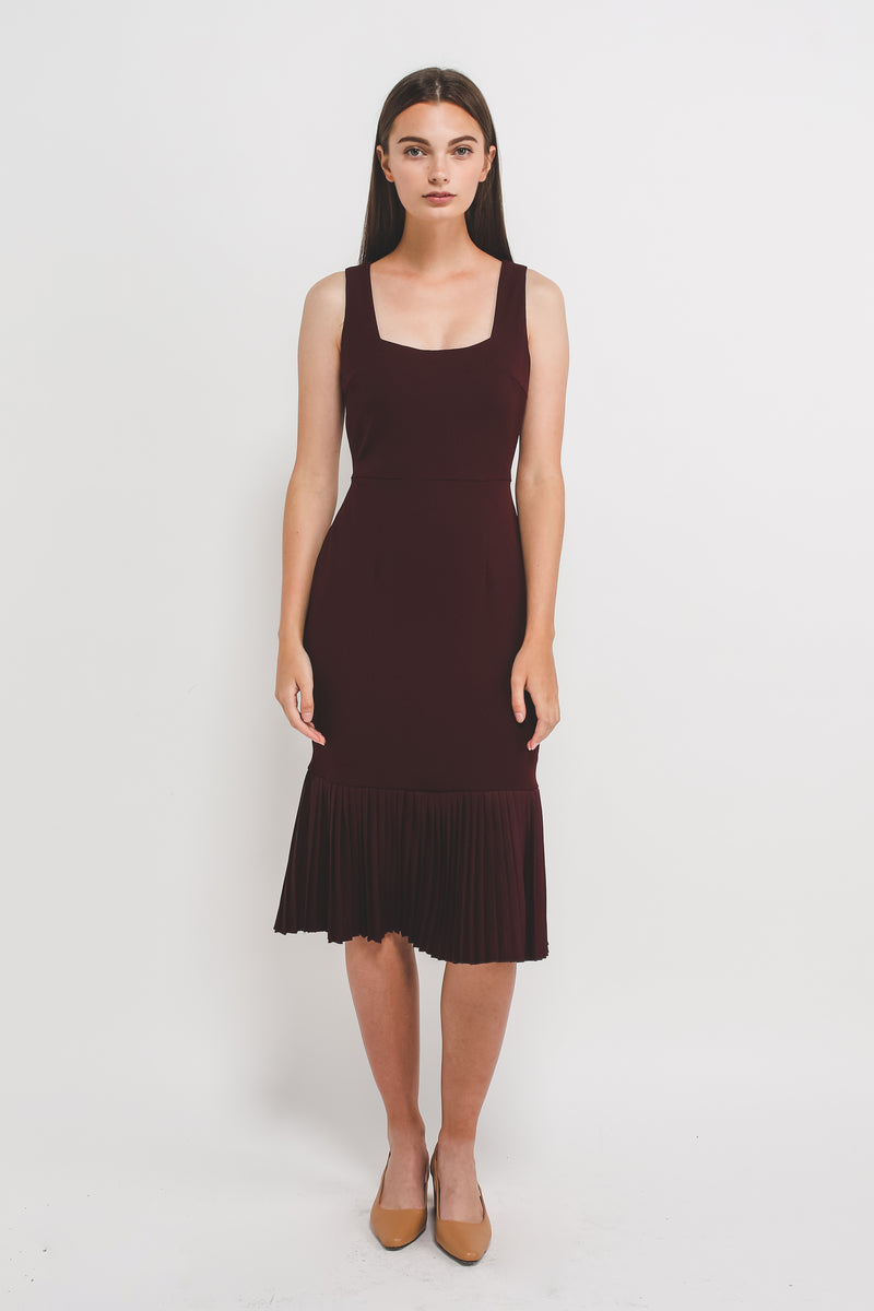 Square Neck knit Midi Dress With Pleated Hem In Maroon