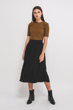 Classic Pleated Midi Skirt In Black