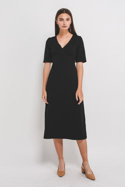V Stitchline Detailing Sleeved Midi Dress In Black