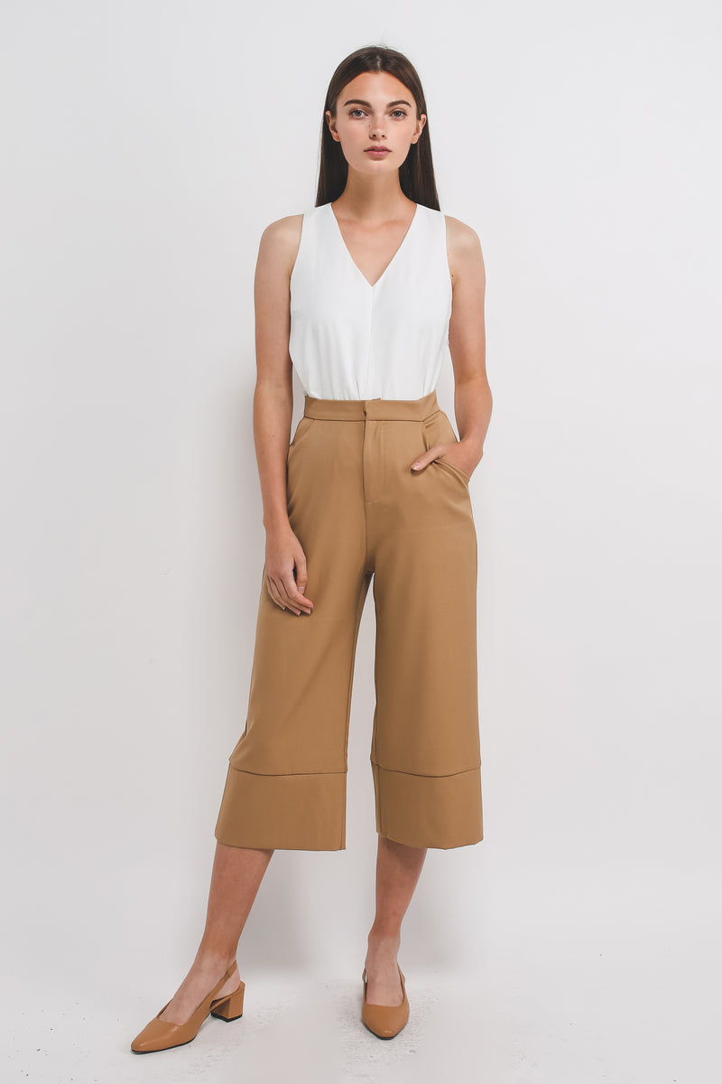 Classic High Waisted Culottes W Hem Detailing In Camel