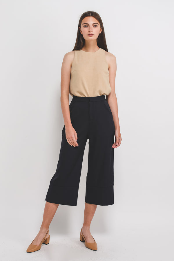 Classic High Waisted Culottes W Hem Detailing In Navy