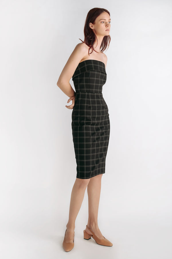 Checkered Tailored Dress With Detachable Straps In Black