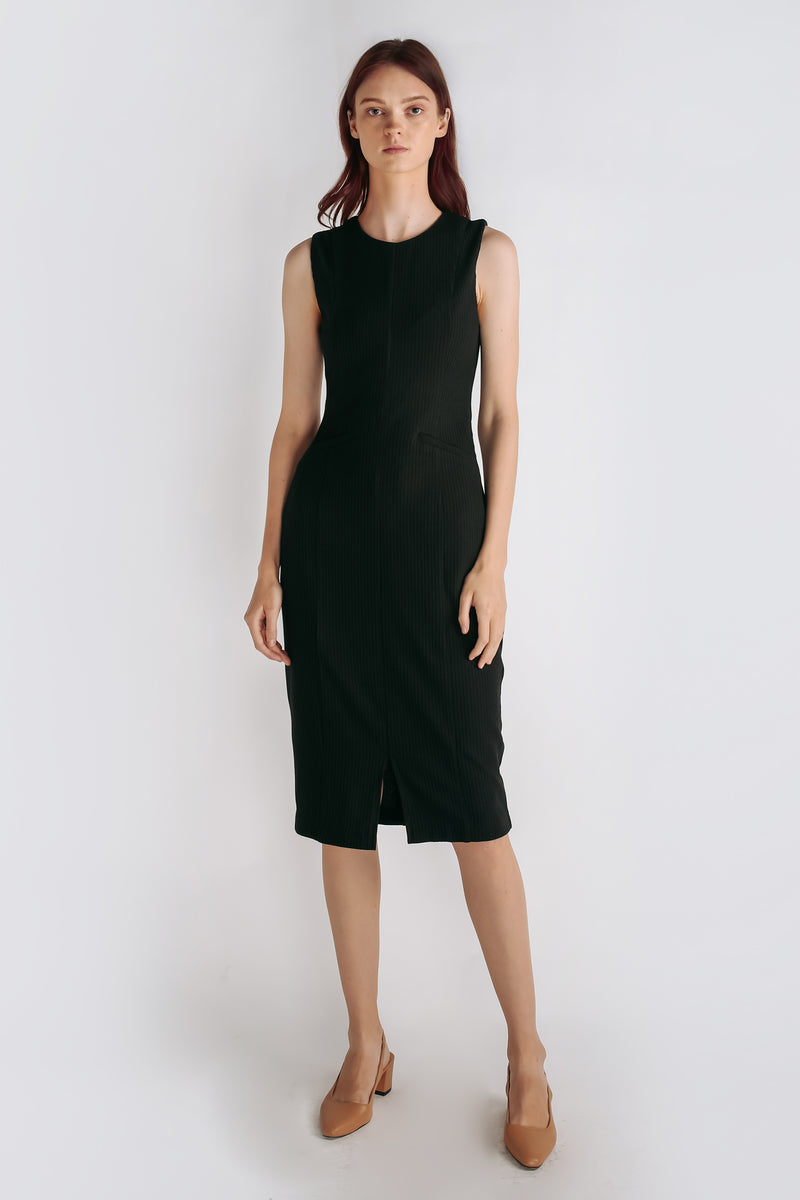 Textured Knit Sleeveless Dress In Black