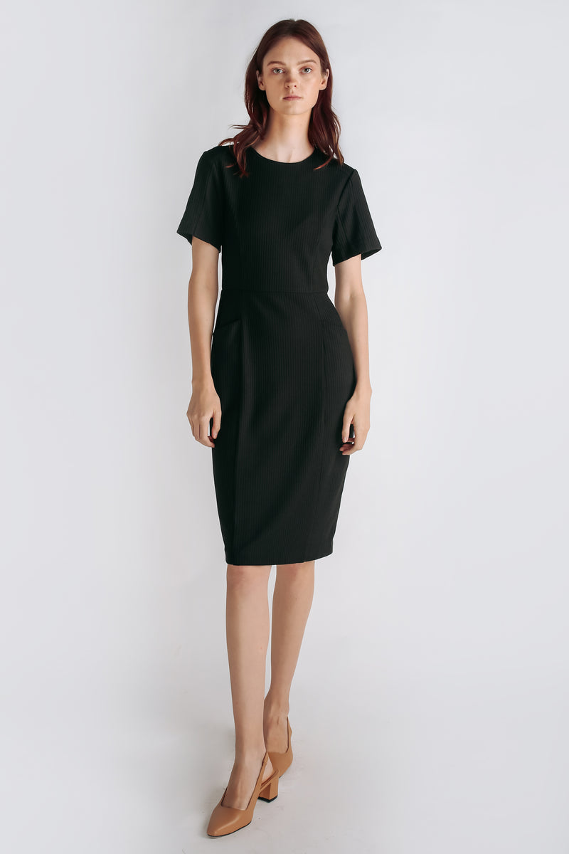 Textured Knit Short Sleeved Dress In Black
