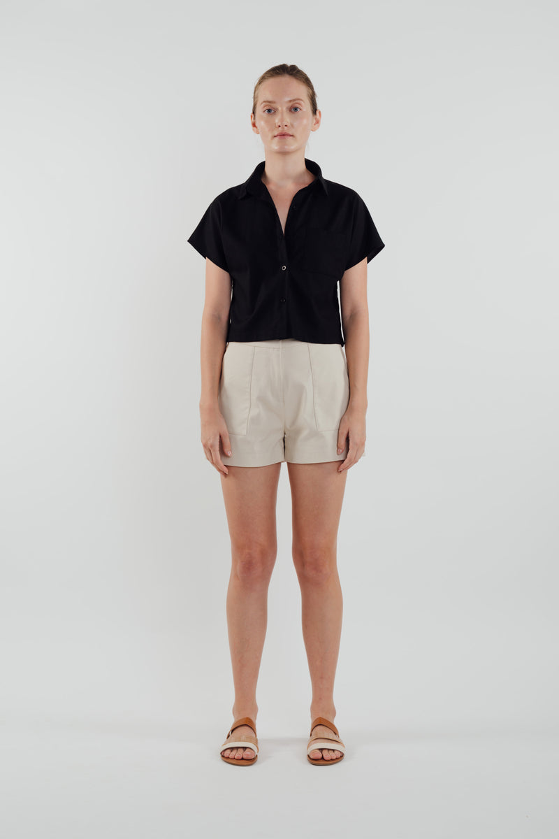 Linen Cropped Shirt in Black