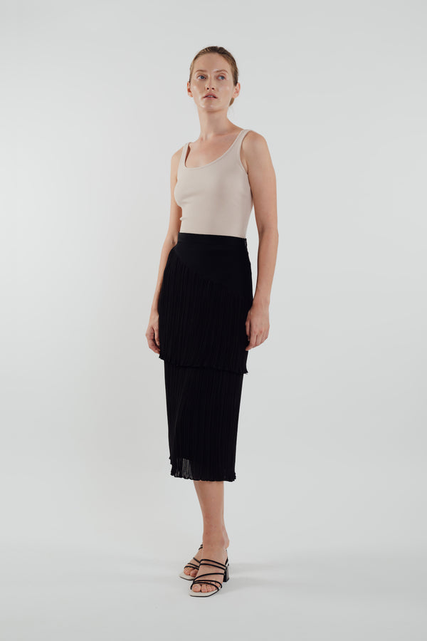 Layered Midi Pleated Skirt in Black