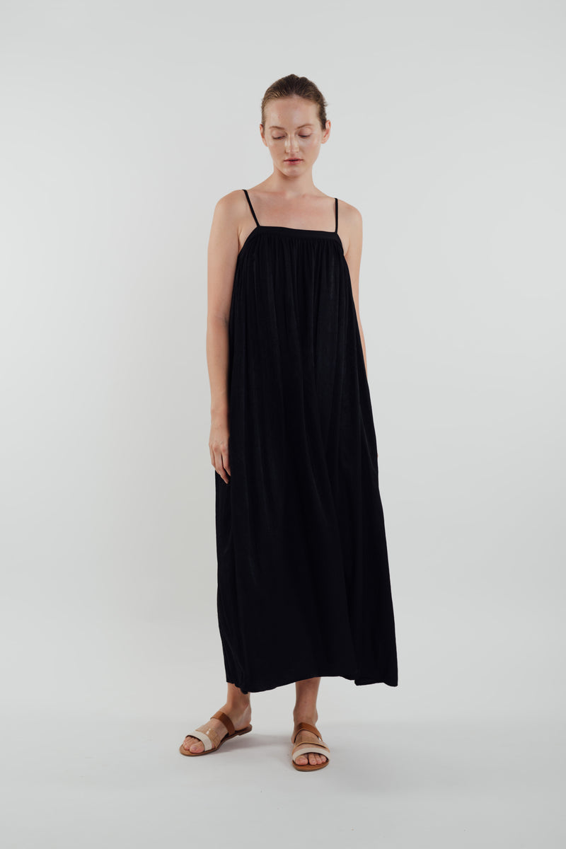 Gathered Midi Dress in Black