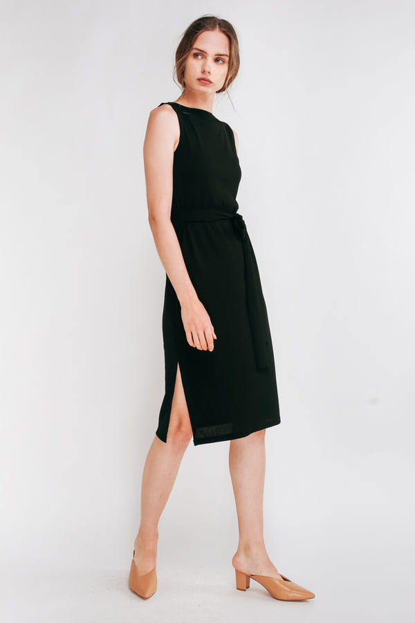 Classic Ribbed Knit Dress With Sash In Black