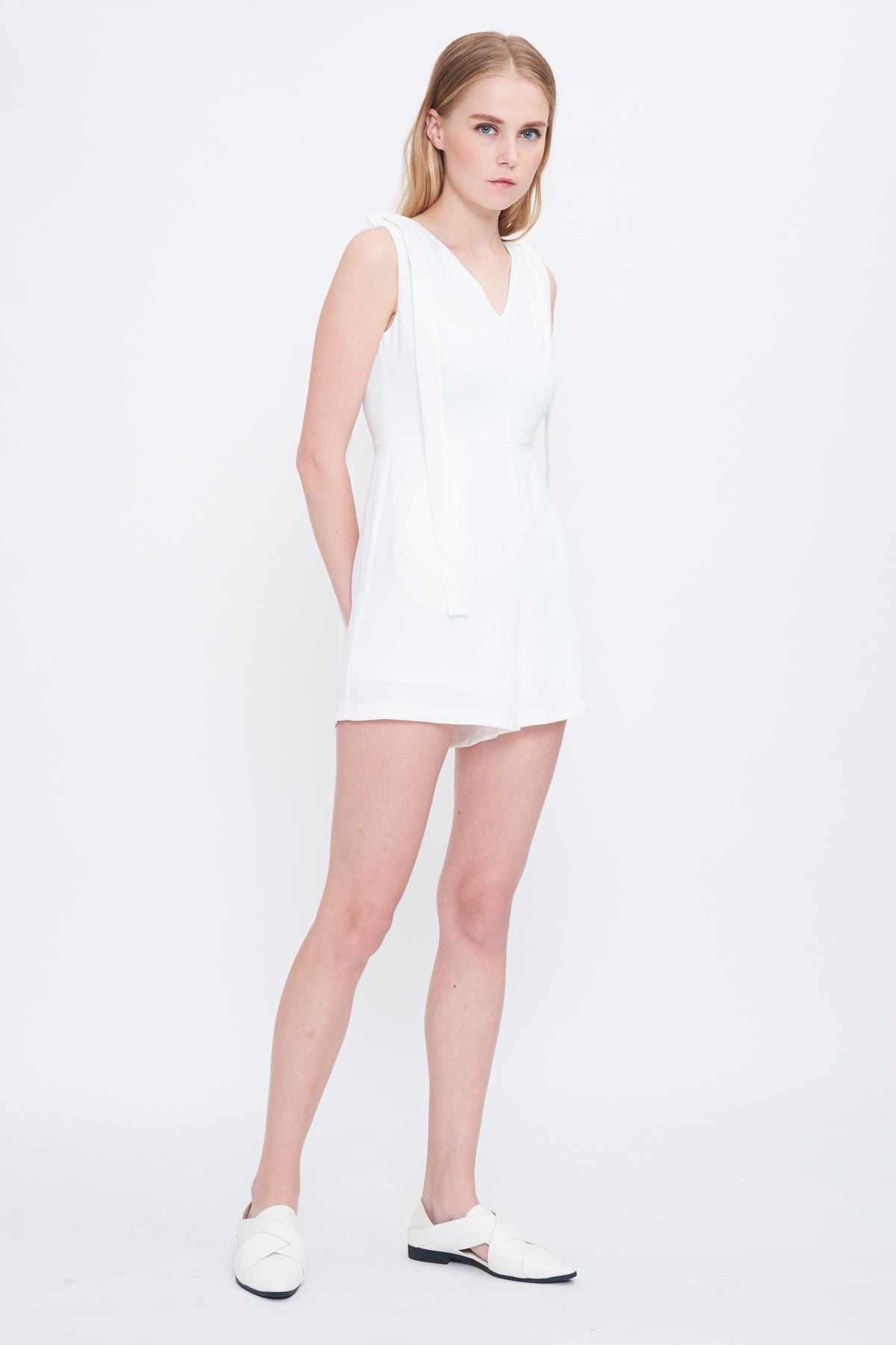 Shoulder Tie Playsuit In White