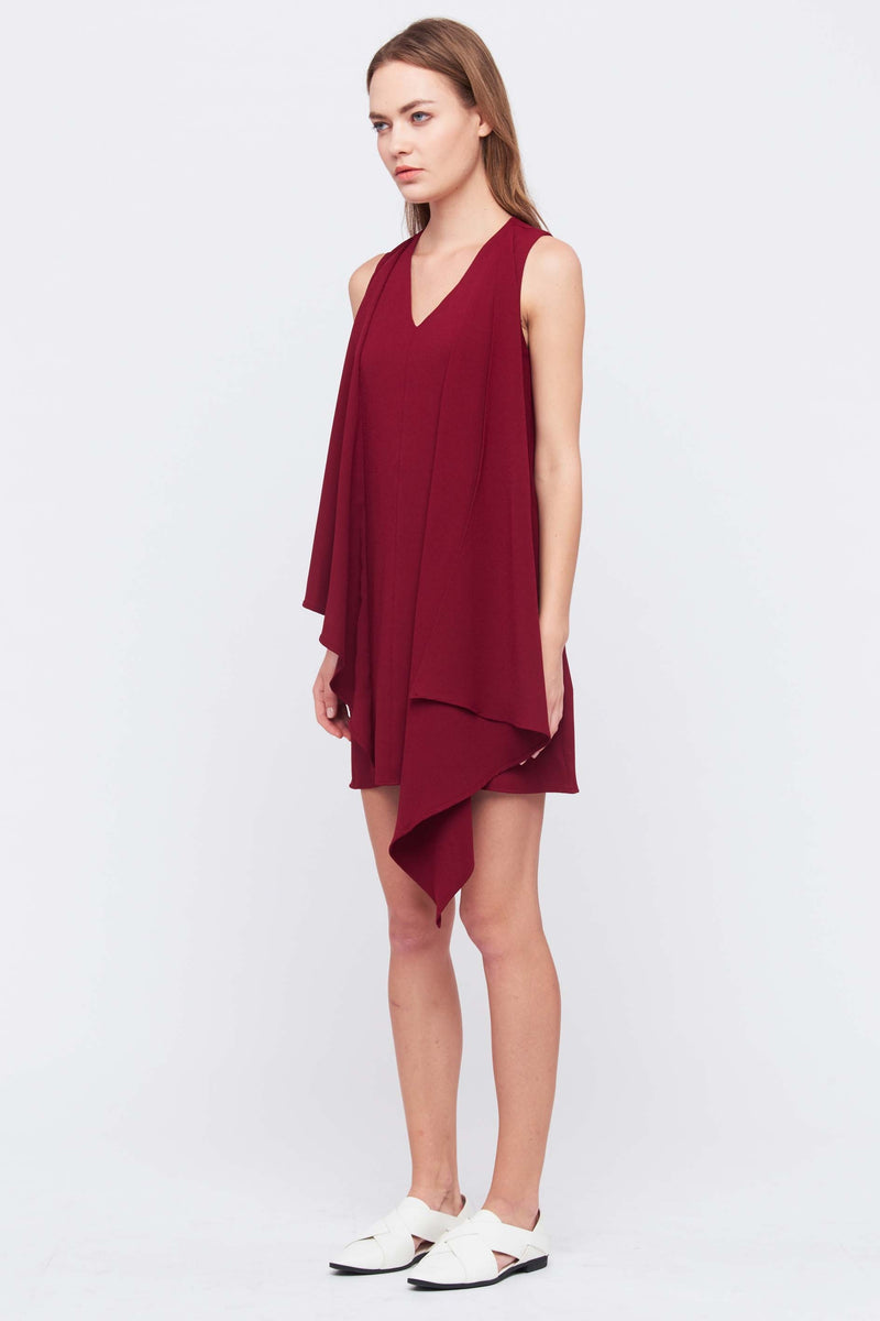 V NECK DRESS WITH FRONT DRAPE IN MAROON