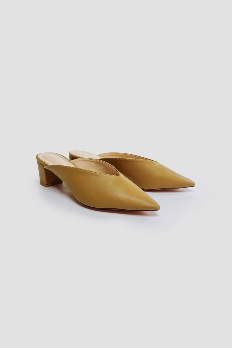 V-shaped Block Heels In Mustard