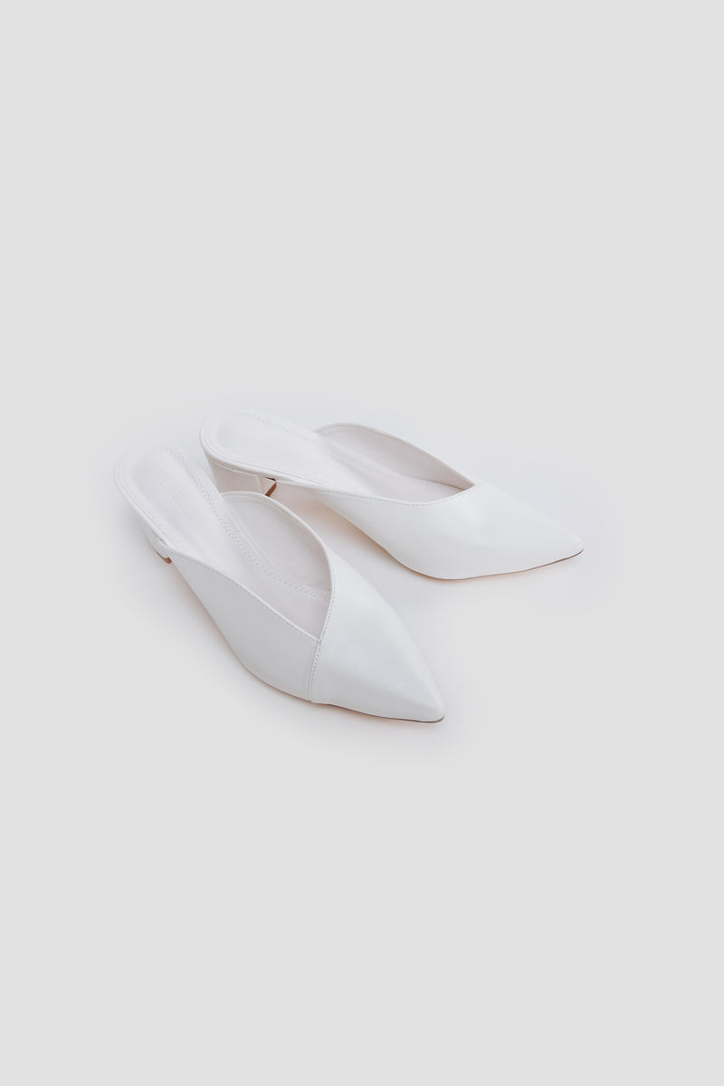 Envelope Stitchline Block Heel In White