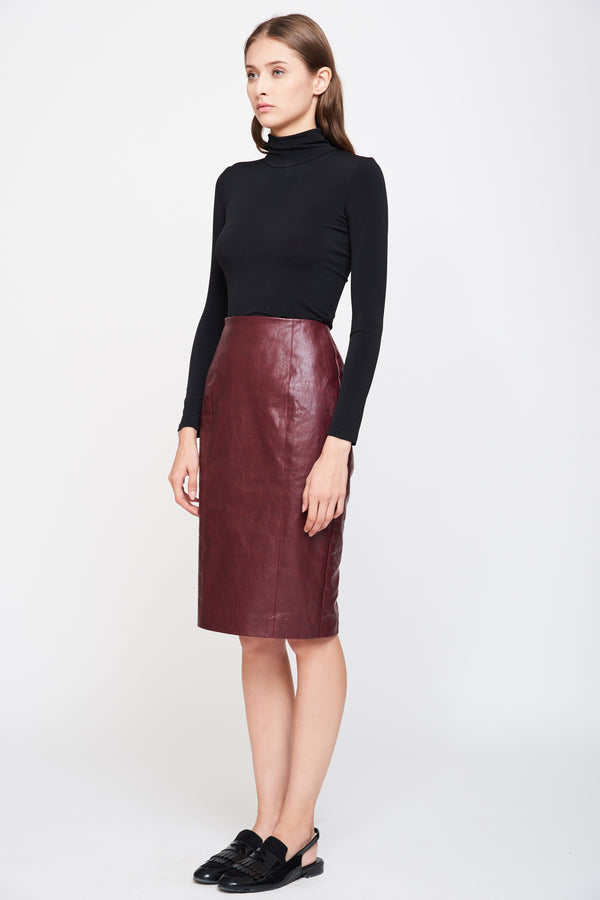 Tailored Leather Skirt In Burgundy