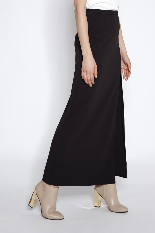 Slit Maxi Skirt In Black