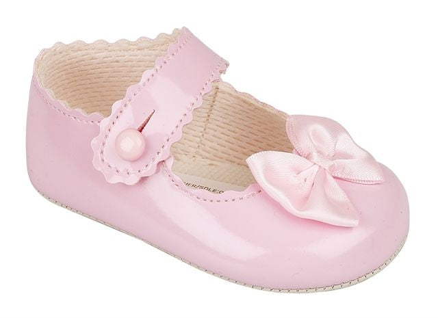 Girls Pink Patent shoe with bow 0-3 3-6 6-12 12-18 18-24 months £14