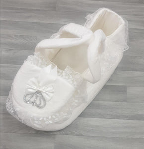 Baby White Moses Basket Diamante crown £45