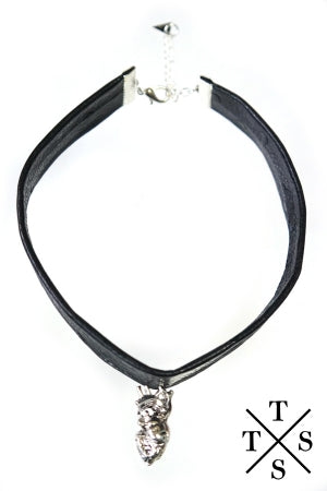 XTS My Heart Leather Choker - YOU ARE MY POISON