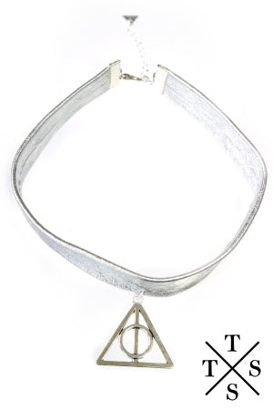 XTS Triangle Leather Choker - YOU ARE MY POISON