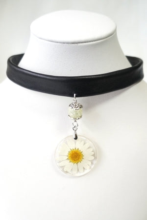 XTS White Flower Leather Choker - YOU ARE MY POISON